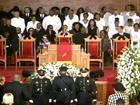 Funeral de Whitney Houston é marcado por músicas e homenagens