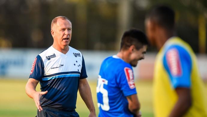 Cruzeiro; Mano Menezes; Willian (Foto: Pedro Vilela/Light Press)