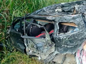 Acidente na BR-101, região sul da Bahia (Foto: Ednaldo Pinto/Arquivo Pessoal)