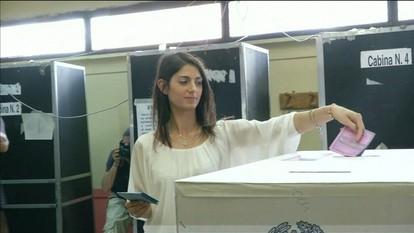 Candidata do partido populista vence eleições em Roma e é primeira prefeita da capital
