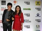 Mateus Solano e Fernanda Machado participam de pré-estreia de filme