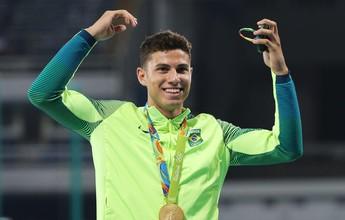 Contra Bolt & Cia., Thiago Braz concorre a prêmio de melhor do ano