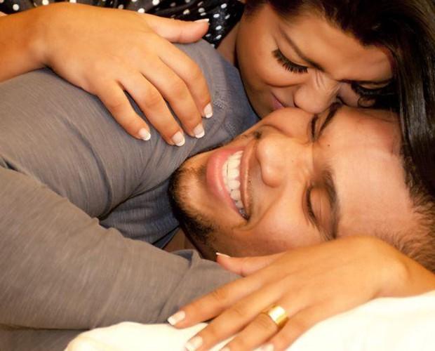 Que amor! Ellen Cardoso e Naldo contam os dias para o casamento (Foto: Bruno Romão)