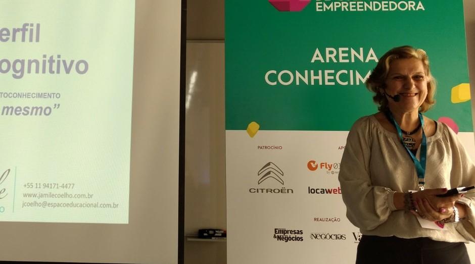Jamile Coelho, fundadora e diretora do Espaço Educacional (Foto: Vitória Batistoti)