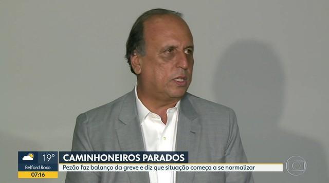 Pezão faz balanço da greve de caminhoneiros