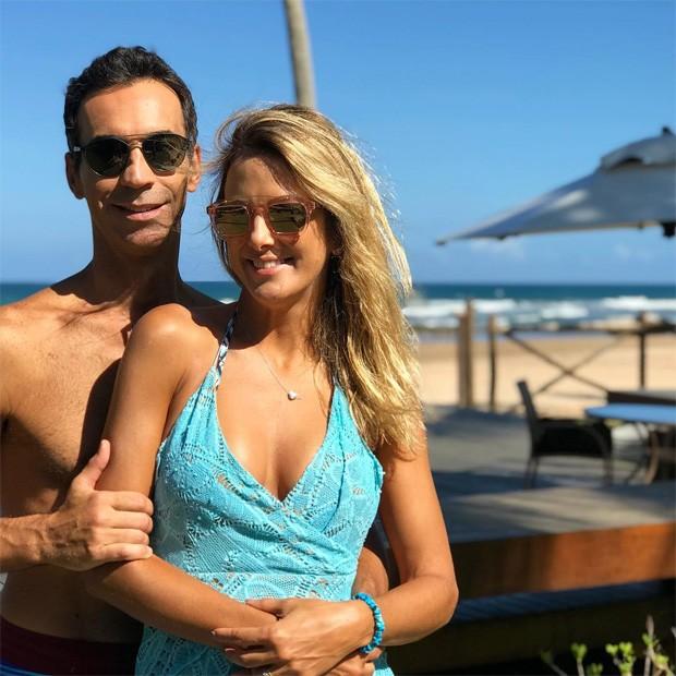 César Tralli e Tici Pinheiro na Bahia (Foto: Reprodução/Instagram)