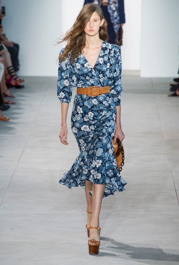 Florais e cores vibrantes foram a aposta de Michael Kors na Semana de Moda de NY (Foto: Imax Tree)