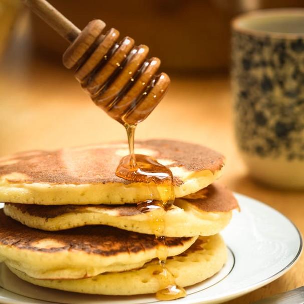 Panquecas fofinhas pra deixar o café da manhã (e da tarde) delícia, delícia