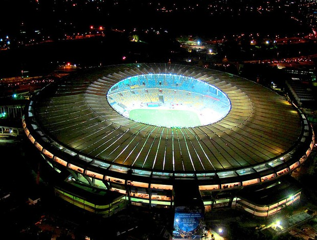 estádio Maracanã iluminado noite (Foto: Genílson Araújo / Agência O Globo)