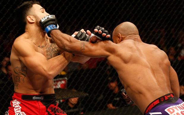 Brad Tavares x Yoel Romero UFC MMA (Foto: Getty Images)