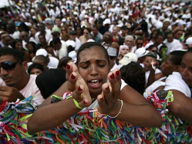 Lavagem do Bonfim reuniu fiéis na capital baiana (Foto: Raul Spinassé/Agência A Tarde/Estadão Conteúdo)