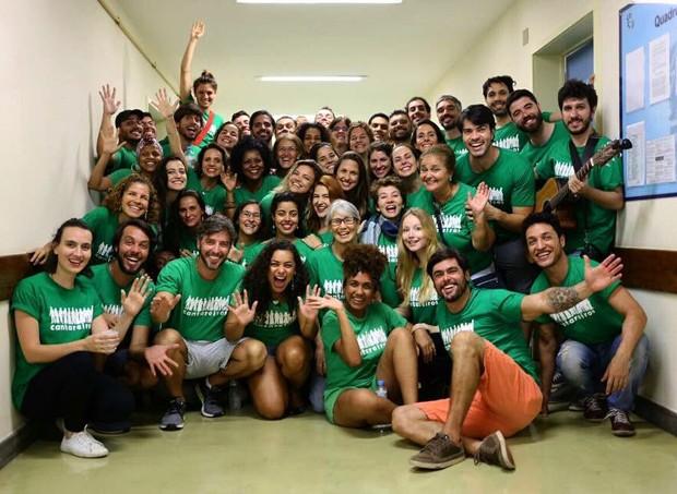Malu Rodrigues com os Cantereiros (Foto: Reprodução/Facebook)