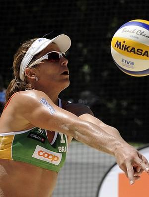 Larissa, garantida em 2016, será uma das representantes do Brasil (Foto: Denis Ferreira Netto/CBV)