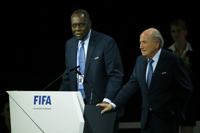 Hayatou Blatter (Foto: Ruben Sprich / Reuters)