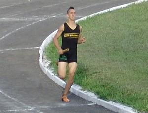 Otávio também compete no revezamente 4x100m (Foto: Otávio Alves de Souza / Arquivo Pessoal)