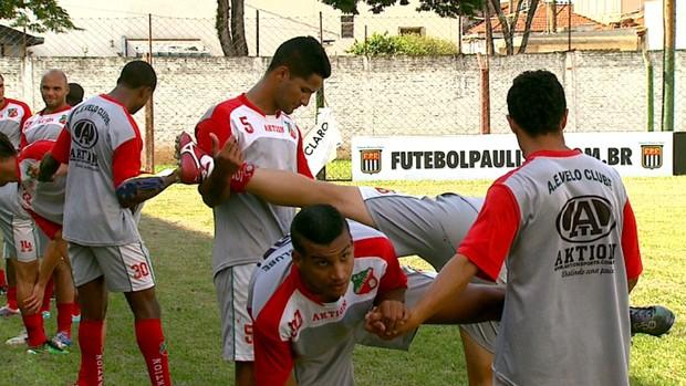Treino do Velo Clube (Foto: Ronaldo Oliveira/ EPTV)