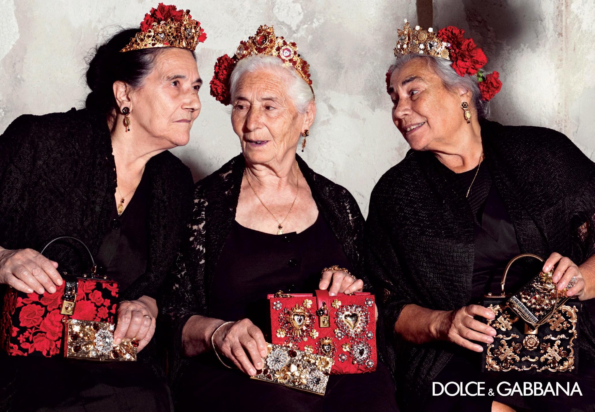 Italianas na faixa dos 80 anos na campanha do verão 2015 da Dolce & Gabbana (Foto: Divulgação)