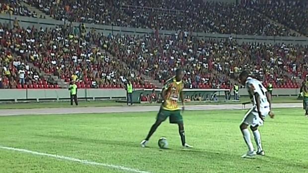 Frame - Sampaio Correa X Atlético-mg (Foto: Reprodução)