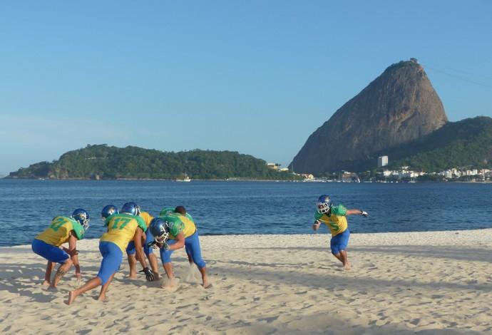 Seleção brasileira de futebol americano treino no Aterro do Flamengo no Rio de Janeiro (Foto: Carol Fontes)