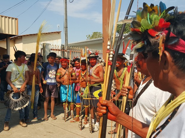Índios de diferentes etnidas se reunem em Ji-Paraná (Foto: Pâmela Fernandes/G1)