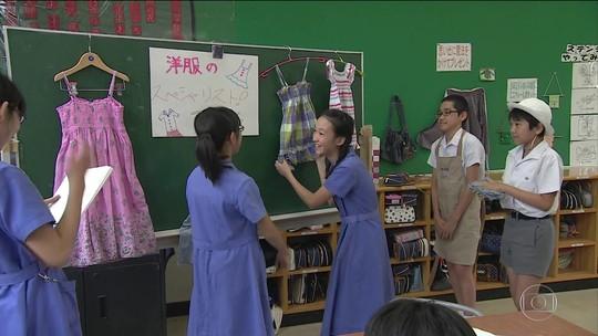 Aula de economia doméstica dá lições de vida a crianças japonesas