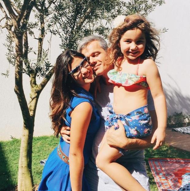 Giulia Costa com a irmã e Otaviano Costa (Foto: instagram/reprodução)