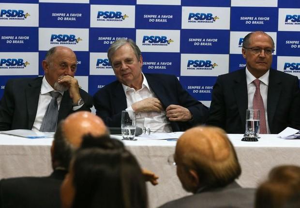 A executiva do PSDB, que contou com participação do governador Geraldo Alckmin, se reúne para anunciar apoio ao presidente Michel Temer (Foto: Fabio Rodrigues Pozzebom/Agência Brasil)
