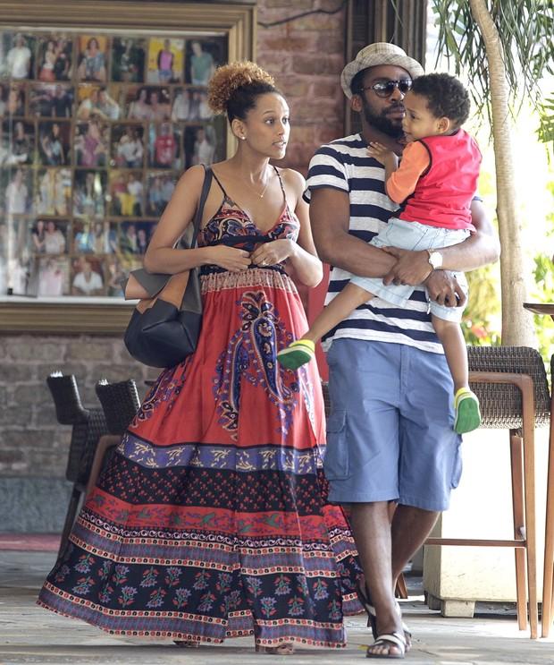 Taís Araújo, Lázaro Ramos e João Vicente (Foto: Delson Silva / Ag News)