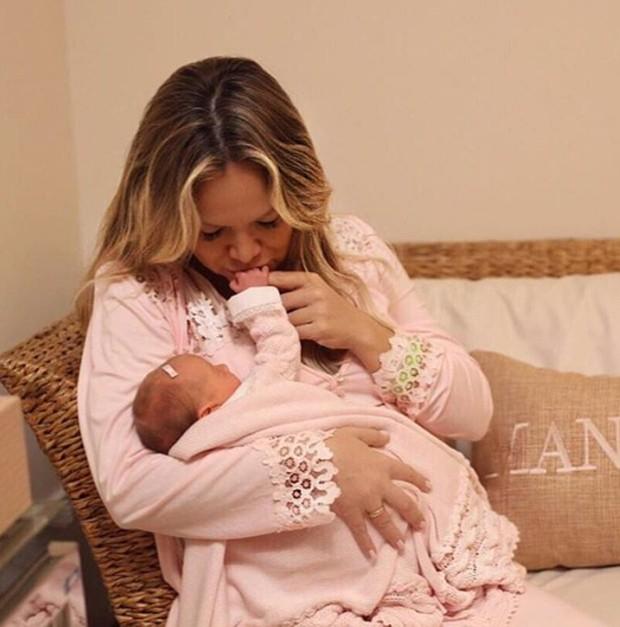 Eliana e a filha Manuela (Foto: Reprodução / Instagram)