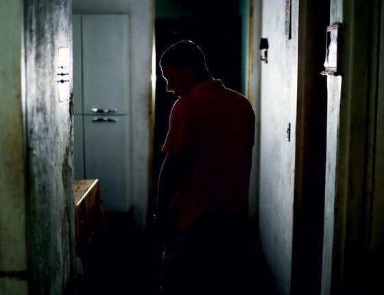 G,de 17 anosque começou a roubando celulares ,evoluiu para carros  e assaltos com reféns (Foto:  Fernando Lima/ÉPOCA)