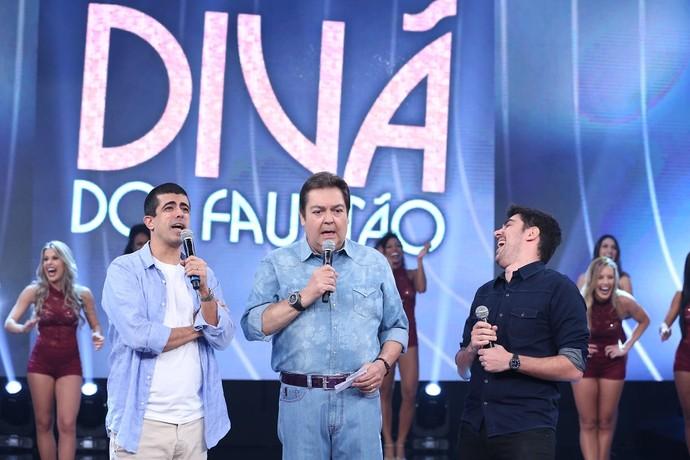 Marcius Melhem e Marcelo Adnet agitaram a plateia do 'Domingão' (Foto: Carol Caminha/Gshow )