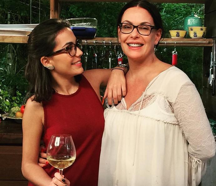 Carolina Ferraz e a filha Valentina são só amor ♥ (Foto: Arquivo Pessoal)