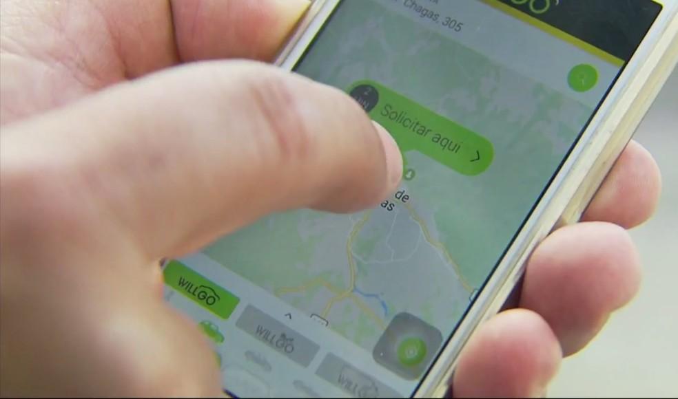Dono da franquia garante que em breve mais motoristas serão cadastrados em Poços de Caldas (MG) (Foto: Reprodução EPTV)