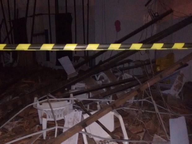 Igreja não tinha certificado de regularidade dos Bombeiros (Foto: Heitor Moreira/TV Anhanguera)