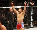 Muñoz faz discurso emocionado após despedida de sua carreira no MMA