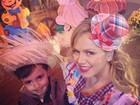 Eliana posa vestida de caipira para curtir arraial com o filho, Arthur
