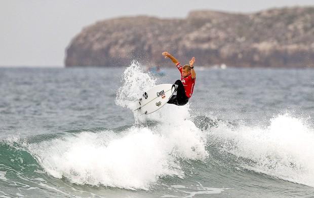 Mick Fanning surfe Portugal (Foto: EFE)