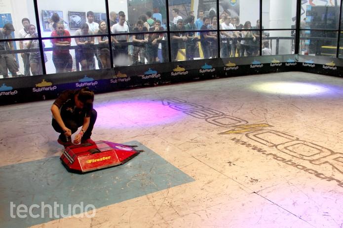 Robôs pesam até 55 Kg no campeonato que ocorre na Campus Party (Foto: Melissa Cruz/TechTudo)