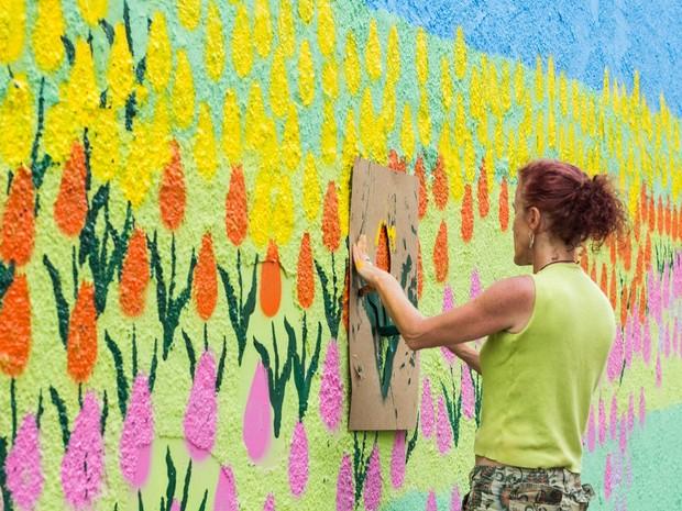 Obra de Heneta D'Ávila no muro da Mauá (Foto: Beta Iribarrem/Divulgação)