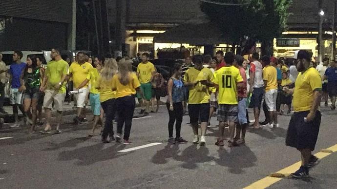 Cambista Brasil x Colômbia Manaus (Foto: Gabriel Mansur)
