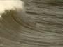 Isabela Sousa é 1ª bodyboarder a surfar nas ondas gigantes de Nazaré