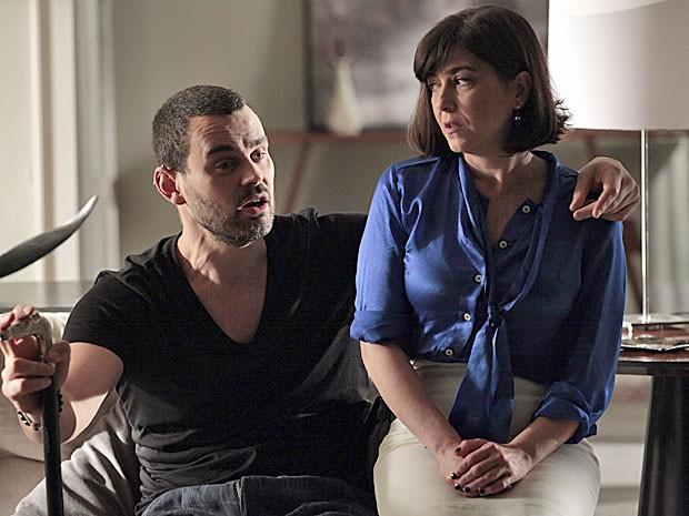 Fernando não quer saber de Michele vivendo um sua casa (Foto: Amor Eterno Amor/TV Globo)