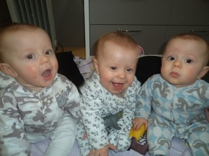 Matheus, Murilo e Marcelo já estão com 10 meses (Foto: Arquivo Pessoal)