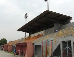 Suzanão não recebeu jogos das equipes profissionais em 2012 (Foto: Vitor Geron / Globoesporte.com)
