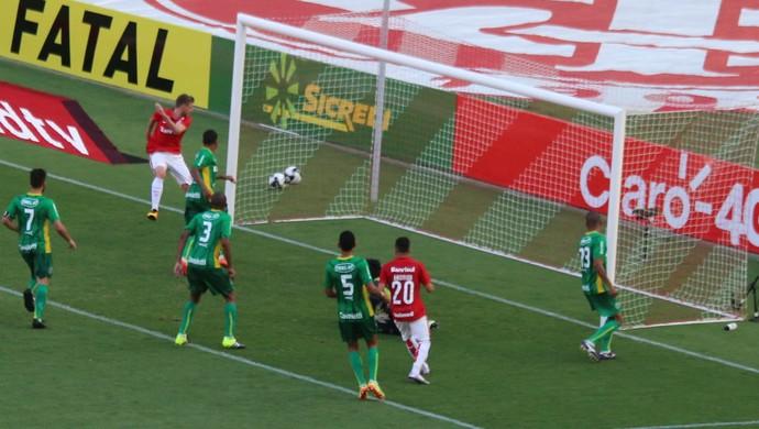 Aylon marca contra o Ypiranga (Foto: Diego Guichard)