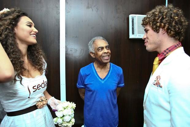 O casal de atores com Gilberto Gil (Foto: Marcelo Loureiro/Divulgação)