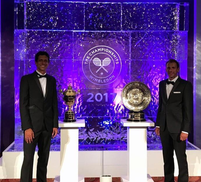 Marcelo Melo e Lucasz Kubot no jantar de gala de Wimbledon (Foto: Divulgação)