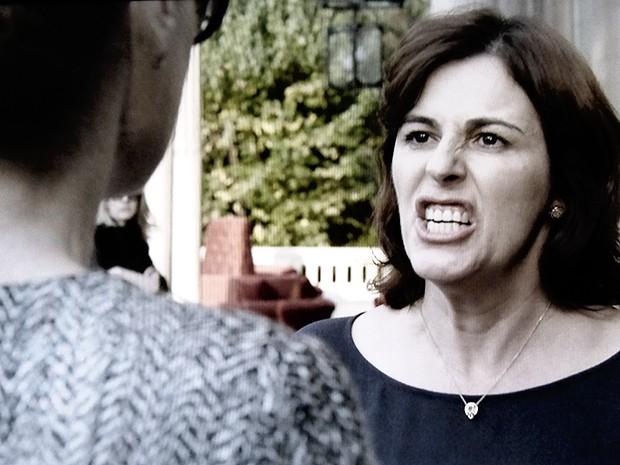 Lídia fica furiosa com Angela (Foto: O Rebu / TV Globo)