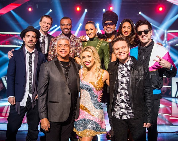 Os técnicos assistentes do The Voice Brasil (Foto: TV Globo)