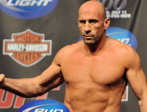 Mark Coleman em pesagem do UFC (Foto: Getty Images)